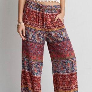 American Eagle pattern pants